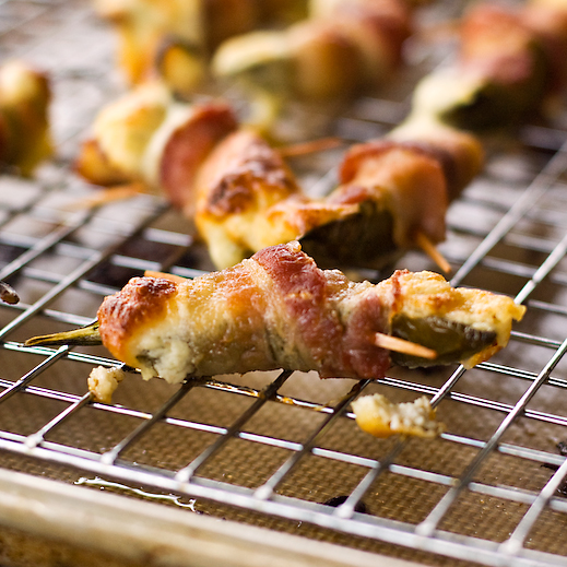 Bacon-Wrapped Jalapeno Poppers | chaos in the kitchen