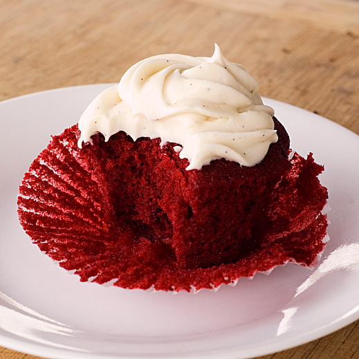 Red Velvet Cupcakes with Vanilla Bean Cream Cheese Frosting | chaos in ...