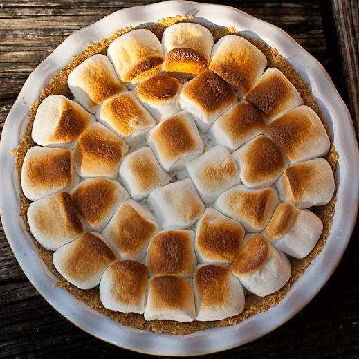 Want S'more pie? {S'mores Pie and an American Heritage Chocolate ...