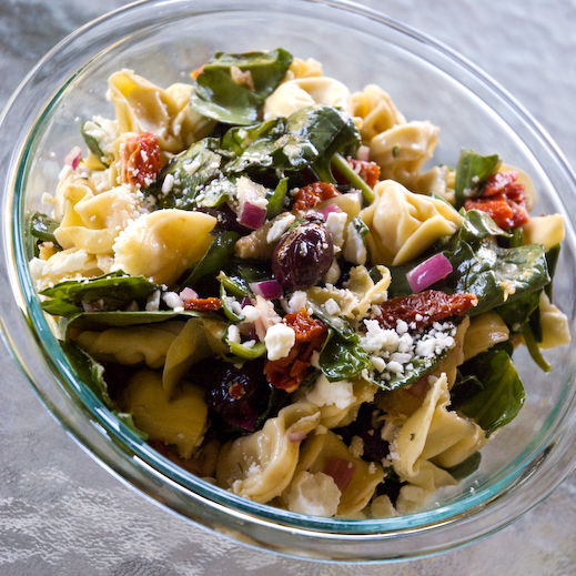 Spinach, Artichoke and Tortellini Pasta Salad | chaos in the kitchen